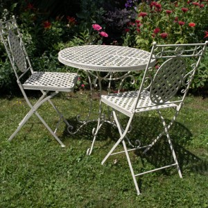 Cream Cafe Folding Chair