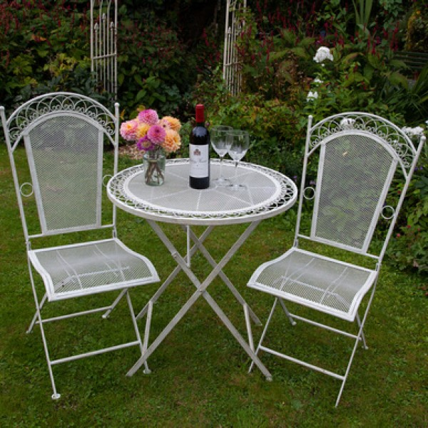Tea for 2 Table with two Chairs
